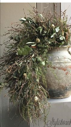 Christmas Wreaths, Xmas, Fall Decor, Holiday Decor, Plant Design, Flower Arrangements, Centerpieces, Rustic, Crafts