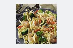 Try our Quick Garlic-Shrimp Pasta for a quick and easy weeknight pasta. Broccoli boosts our Garlic-Shrimp Pasta to a whole new level of deliciousness. Garlic Shrimp Pasta, Shrimp And Broccoli, Broccoli Recipes, Broccoli Alfredo, Pasta Sauce Recipes, Seafood Recipes, Cooking Recipes, Healthy Recipes, Seafood Meals