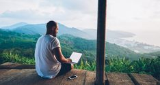 4 remote work and travel programs for aspiring digital nomads Vagas Home Office, Travel Store, Digital Nomad, Online Work, Affiliate Marketing, Marketing Videos, Marketing Logo, Online Courses, Free Courses