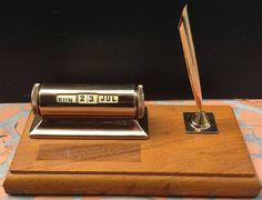 Vintage Schaeffer Desk Set Pen Holder Perpetual Calendar