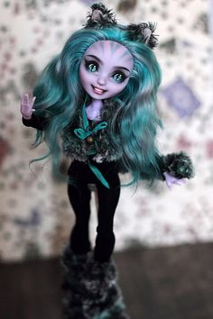 Custom EAH Dolls Monster High Doll Clothes, Custom Monster High Dolls, Monster High Repaint, Custom Dolls, Chesire Cat, Barbie, Doll Painting, Cat Doll, Anime Dolls