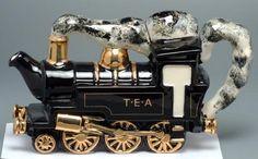 steamtrain teapot