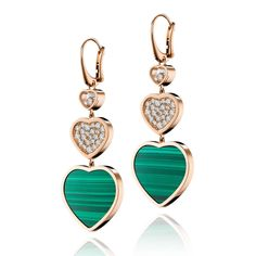Show her the love: Chopard Happy Heart malachite and diamond earrings. For the mum with a 70's edge and a love of diamonds. Perfect for a present in our gift inspiration on Mother's Day. http://www.thejewelleryeditor.com/shop/product/chopard-happy-heart-malachite-diamond-earrings/ #jewelry