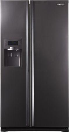 Double fridge with ice dispenser Barn Kitchen, New Kitchen, Kitchen Dining, Kitchen Decor, My Ideal Home, Next At Home, Kitchen Designs, Kitchen Ideas, American Fridge Freezers