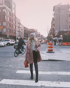 winter pink Travel Style, Fall Winter, Winter Jackets, Fashion Outfits, Lifestyle, Pink, Travel Essentials, Clothes, Instagram