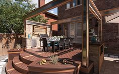 Blurring the lines between parlor and park with Trex Transcend decking in Tiki Torch and Lava Rock.