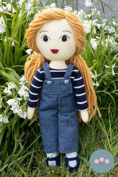 A doll making tutorial showing how to add long wool hair to your Tilly Doll Handmade Dolls Patterns, Doll Sewing Patterns, Sewing Dolls, Diy Rag Dolls, Diy Doll, Wool Dolls, Felt Dolls, Crochet Dolls, Rag Doll Tutorial