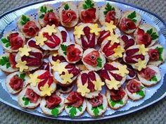 12 Cold Appetizers Serving Ideas for all Occasions Cold Appetizers, Appetizers For Party, Appetizer Recipes, Food Carving, Czech Recipes, Food Garnishes, Party Finger Foods, Party Buffet, Food Crafts