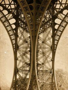 The Eiffel Tower again, beautiful angles!