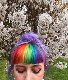 8 rainbow hair styles to give your look color 8 rainbow hair styles to give … Hairstyles With Bangs, Summer Hairstyles, Pretty Hairstyles, Curly Haircuts, Vintage Hairstyles, Split Dyed Hair, Aesthetic Hair, Coloured Hair, Colored Bangs