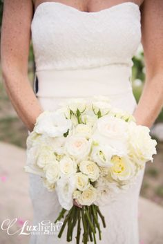 classic white rose bouquet, wedding photography inspiration in northern michigan at www.luxlightphotography.net