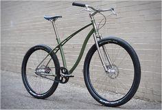 Basic design, ziet er uit alsof deze 'ride' wel tegen een stootje kan. Hebben? Vanaf 4K...