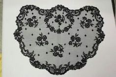 Rounded mantilla