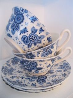 Would love to find these. beatrix servies HOLLAND