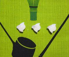 Kangoori (higashi), mistä tehty sokerista, kantennista ja kirsikkakukasta.