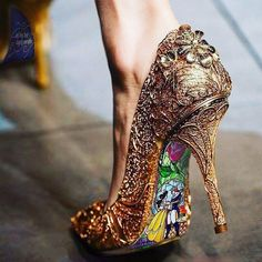 • BEAUTY & THE BEAST • There are no words for how amazing these beauty & the beast courts are