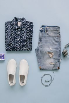 Summer style starts with a great pair of denim shorts. Mix in cool prints and sneakers for a perfectly relaxed look. Shop men's summer arrivals from Gap.