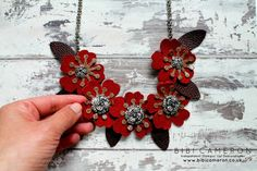 Independent Scotland Stampin Up! Demonstrator Bibi Cameron: Stampin Up Bouquet Bigz L die to make a leather ne. Leather Necklace, Diy Necklace, Leather Jewelry, Necklaces, Leather Gifts, Leather Craft, Jewelry Crafts, Handmade Jewelry, Leather Flowers