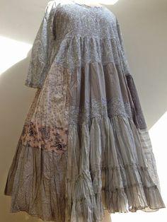 maybe done in batik? Mori Girl Fashion, Boho Fashion, Fashion Design, Nadir Positano, Bohemian Style, Boho Chic, Estilo Hippie, Altered Couture, Mode Inspiration
