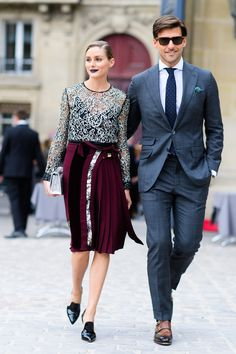 Olivia Palermo and Johannes Huebl are seen outside of the Christian Dior show during Paris Fashion Week Spring Summer 2017 at the Rodin museum on. Cool Street Fashion, Street Chic, Paris Fashion, Autumn Fashion, Estilo Olivia Palermo, Olivia Palermo Style, Vogue, Evening Outfits, Fashion Couple