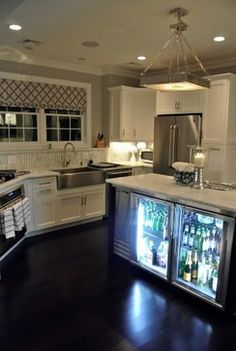 Dark Wood Floor Kitchen Design Ideas, Pictures, Remodel, and Decor - page 10