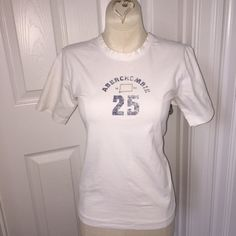 Abercrombie & Fitch Women's T-Shirt Size M Abercrombie & Fitch Women's T-Shirt Size Medium; Adorable on! Abercrombie & Fitch Tops Tees - Short Sleeve