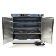 Professionally display your delicious food and keep it at the perfect temperature for people on the go with a strong, lightweight aluminum frame for easy mobili. Food Warmer for party or store. Water Tray, Meat Slicers, Catering Equipment, Small Plates, Delicious Food, Countertops, Strong, Party Ideas, Display