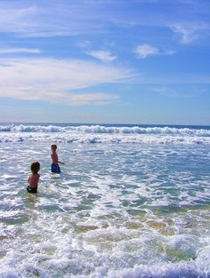 5 Free fun day trip activity ideas for families visiting Los Angeles. Take advantage of free events all summer in California with your family.