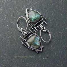 Strukova Elena - авторские украшения - Треугольные серьги с лабрадорами