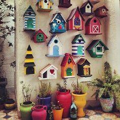 New pub in newmarket has a cool beer wall. Bird Houses Painted, Decorative Bird Houses, Bird Houses Diy, House Plants Decor, Plant Decor, Garden Crafts, Garden Projects, Homemade Bird Houses, Birdhouse Designs