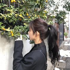 Look At This Article For The Best Beauty Advice. Beauty is essential to today's women. A beautiful woman has it easier in life. People pamper her. Aesthetic Hair, Beige Aesthetic, Ulzzang Korean Girl, Uzzlang Girl, Beauty Advice, Cute Hairstyles, Korean Hairstyles, Permed Hairstyles, Girl Photography