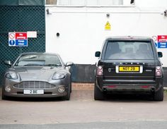 """That's the question of life"" This is classic Shakespearean quote license plate pairing can be found in London. Although it only works when they are parked together. Hit the image to see more hilarious license plates... #spon"