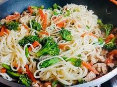 Brokkolis-csirkemelles spagetti | NOSALTY
