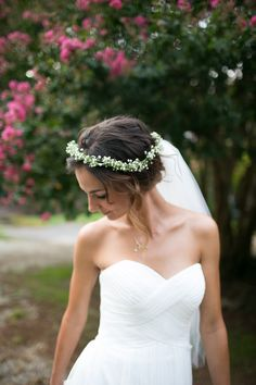 Beautiful bride with a flower crown // Bridal session in Salisbury, North Carolina // Grain & Compass