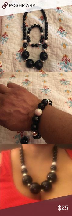 Big Beads New Fashion Jewelry Black  White and Silver necklace and bracelet no clasp just pull over your head Jewelry