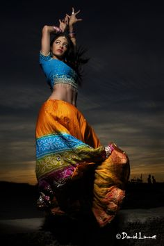 Sirens Dance, bollywood. Photo by Daniel Linnet.