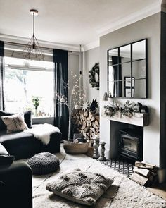 How to do Hygge: Create cosy and inviting interiors - STYLE CURATOR How to do Hygge: Create cosy and inviting interiors The decoration of our home is similar to an exhibition space that re. Home Living Room, Living Room Designs, Living Room Decor, Style At Home, Home Design, Cosy Interior, Interior Design, Home And Deco, Home Fashion