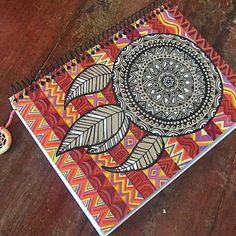"""""""Love is my religion"""". Un original diseño de Mandala para un cuaderno."""