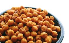 Meet Your New Favorite Snack: Spicy Roasted Chickpeas - Rezepte - Roasted Garbanzo Beans, Garbanzo Bean Recipes, Chickpea Recipes, Crispy Chickpeas, Chickpea Salad, Dog Food Recipes, Snack Recipes, Cooking Recipes, Snacks