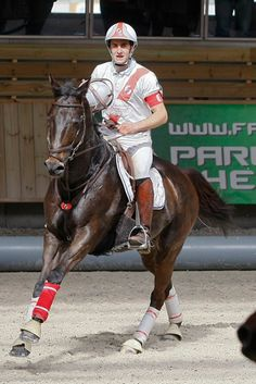 Horse Ball - Bordeaux galope vers le titre ! Find Picture, Horse Riding, My Passion, Ponies, Bordeaux, Equestrian, Riding Helmets, Polo, English