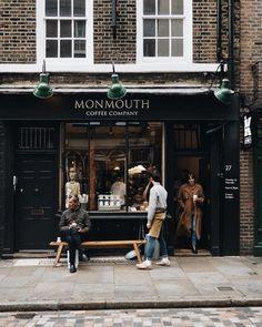 Small Coffee Shop, Coffee Shop Design, Coffee Shops, Cafe Bistro, Cafe Bar, Monmouth Coffee, Shop Facade, Bakery Design, Shop Fronts