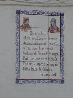 Esto adornaba la fachada de una pared en Calle Carabeo en Nerja. African Museum, Humor Grafico, Granada, Html, Dan, Posters, Reign Bash, Joy, Frases