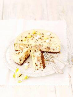 Rezept: Stracciatella-Käsekuchen auf for me Milk And Cheese, Goat Milk, Cheesecakes, No Bake Cake, Baking Recipes, Camembert Cheese, Donuts, Creme, Main Dishes