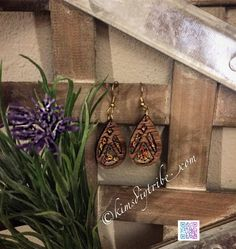 [New] The 10 Best Craft Ideas Today (with Pictures) - Laser cut walnut resin glitter earrings Join the tribe for future laser & resin tutorials! {link in bio} Creative Crafts, Fun Crafts, Resin Bracelet, Resin Tutorial, Diy Jewelry Making, Fashion Earrings, Jewelry Design, Product Launch, Pendant