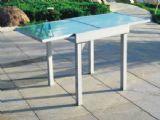 Mesa de terraza extensible.  Pequeña pero funcional.