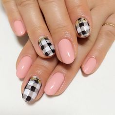 Gingham check nail art