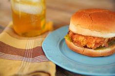 Homemade Chik-Fil-A Sandwiches > The Effortless Chic Good Food, Yummy Food, Tasty, Eating Fast, Looks Yummy, Food Crafts, Savoury Dishes, What To Cook, Perfect Food