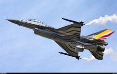 F-16AM Fighter Falcon  #aviation #jetporn #aviationporn #avporn #aviation #jets #takeoff #landing #sky #skyporn #air #airporn #takeoff #landing #fullafterburner #pilotlife #pilot #avgeek #jetplane #pilotlove #f16 #falcon #fokker #belgium #belgiumairforce #lightning #lightningfast