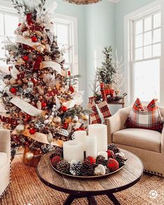 christmas tree inspiration 31 Beautiful Christmas Living Room Decor Ideas You Should Copy Now - Use Christmas craft ideas to make your living room looks sensational this year. Usually the living room is where the Christmas tree is placed and so i. Cozy Christmas, Christmas Design, Rustic Christmas, Beautiful Christmas, White Christmas, Christmas Holidays, Traditional Christmas Decor, Pottery Barn Christmas, Cottage Shabby Chic