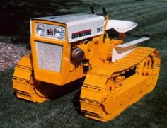 IH Cub Cadet 100 Crawler, I'm a gonna need one of themses! Small Tractors, Old Tractors, Lawn Tractors, Tractor Mower, Crawler Tractor, Lawn Mower, Antique Tractors, Vintage Tractors, International Tractors
